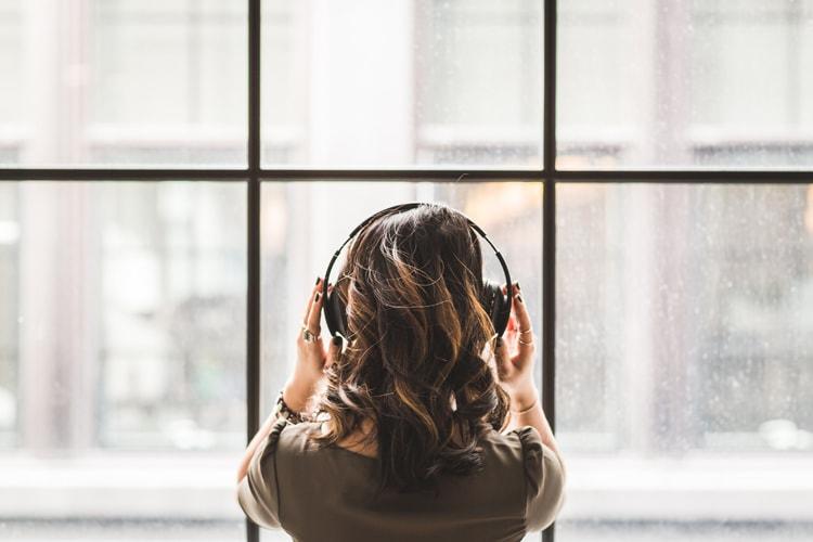TOEICリスニング満点維持!無料Podcastを活用した私の英語勉強法
